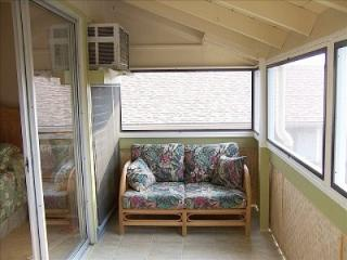 Ocean Front Property  ( 1 ) bedroom  ... Special From  $79.00 nightly - Kailua-Kona vacation rentals