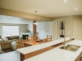 Newly Remodeled, tasteful and elegant 2 bed, 2 bath condo in Ironwood, Blueberry Hills unit # 203 - Whistler vacation rentals