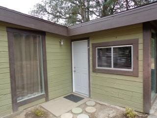 Rock View Cottage - Oakhurst vacation rentals
