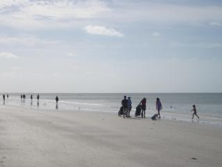 EBT#1102A - Beautiful 11-FL View/Reasonable Rates! - Fort Myers Beach vacation rentals