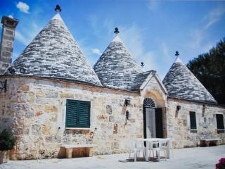 Beautiful complex of Trulli in Valle d'Itria - Martina Franca vacation rentals