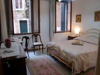 Casanova Apartment,  a 3 minute walking to Rialto and 8 minutes to San Marco also near to Fondamenta Nuove. - Venice vacation rentals
