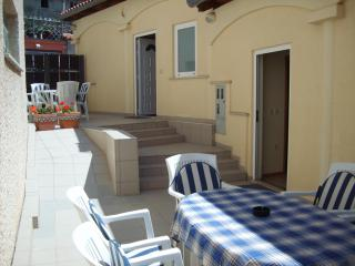 Appartment Medulin, 6 persons, with free internet - Medulin vacation rentals