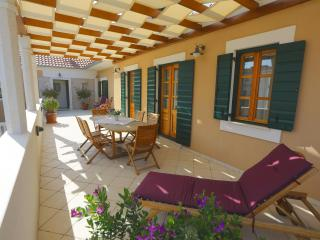 Villa Danica per 5 with swimming pool - Northern Dalmatia vacation rentals