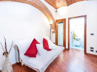 1 Bedroom Florentine Rental in Galliano, Tuscany - Gagliano vacation rentals