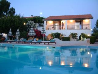 The Villa Club (Greenhill Apartment-Cyprus) Near the sea and shops - Kayalar vacation rentals
