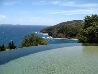 3 bedroom property comprising 1 bedroom main house and 2 bedroom cottage, 3 bathrooms, Pool (v) - Hope Bay vacation rentals