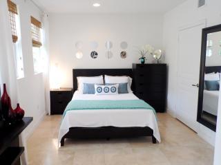 ART-DECO TROPICAL GETAWAY - Miami Beach vacation rentals