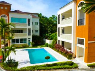 2 BDR Condo walking distance to all Restaurants - Sosua vacation rentals