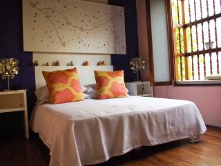 ROMANTIC COLONIAL HOUSE IN OLD CITY - VERANERA SUITE - Cartagena vacation rentals