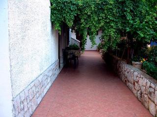 Aparments Plenkovic - Stari Grad vacation rentals