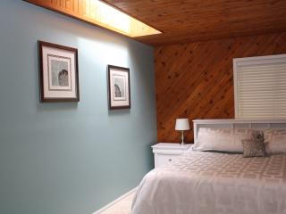 Bay Town Suite--Hospitality by the bay - Leland vacation rentals