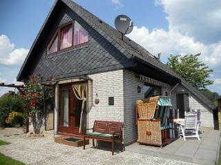 Vacation Home in Waabs - 753 sqft, comfortable, childrenfriendly, dogs welcome (# 4141) - Rendsburg vacation rentals