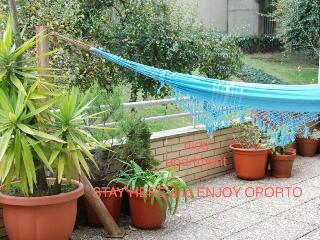 Nice apt, w/terrace & sun - Stay here enjoy Oporto - Porto vacation rentals
