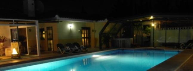 Party time.... - 8 BEDROOMS COUNTRY VILLA WITH COVERED HEATED POOL - Coin - rentals