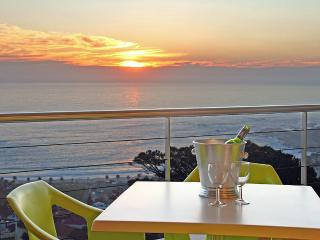 Prima Penthouse, 2 Bedroom, Camps Bay - Cape Town vacation rentals