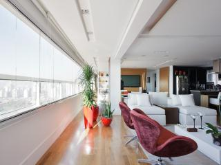 Upscale 1 Bedroom Apartment in Brooklin - Santo Andre vacation rentals