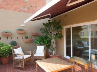 PADILLA TERRACE. Gaudi is in the atmosphere. - Barcelona vacation rentals
