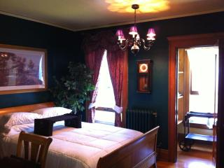 En-Suite Queen in Historic Mansion - Cleveland vacation rentals
