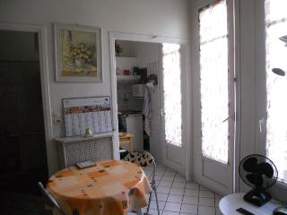 Grand Studio Nice Carre D Or Pres Mer Calme - Nice vacation rentals