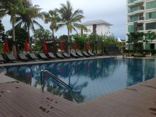 Luxury 1 Bedroom Pool Condo - Nong Na Kham vacation rentals