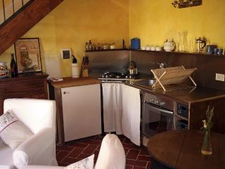 Perfectly appointed for two in Tuscany - Arezzo vacation rentals