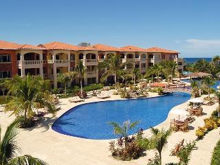 Spectacular Two Bedroom Condo - Amazing View!! - Honduras vacation rentals