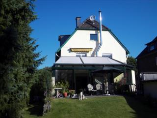 Single Room in Ratingen - 861 sqft, modern, bright, nicely furnished (# 4154) - Ratingen vacation rentals