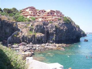 Iris House elegante trilocale con piscina e spiaggia riservata - Augusta vacation rentals