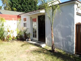 Private Silver Lake/Los Feliz Garden Guesthouse! - Los Angeles vacation rentals