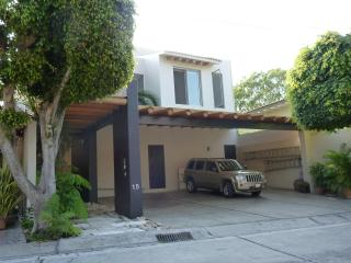 Tulipanes - Cuernavaca vacation rentals