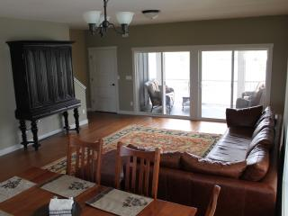 Waterfront 10 Day Rental near Starved Rock - Ottawa vacation rentals