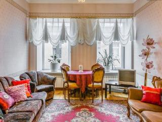 Spacious 3Bedrooms apartment in the Golden Triangle - North-West Russia vacation rentals