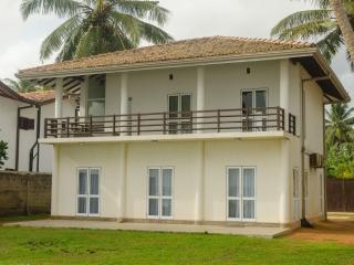 Muhudu Rella Villa - Unawatuna vacation rentals