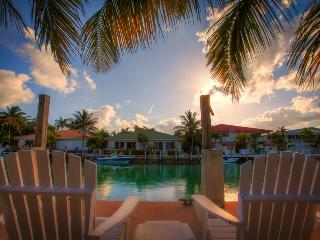 KEYS ESCAPE SPECIAL! Bikes, Pool, 2 Beaches - Key Colony Beach vacation rentals