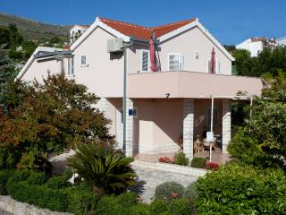 House with a garden,few steps away from the beach - Podstrana vacation rentals
