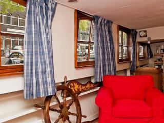 Original Cosy Amsterdam Houseboat - Holland (Netherlands) vacation rentals