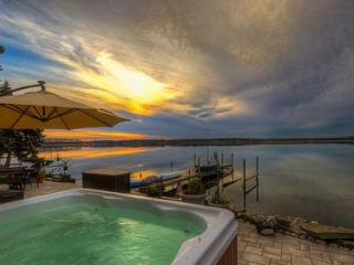 Lakefront,Patio,Dock Hot Tub Sleep 10 Fingerlakes - Romulus vacation rentals