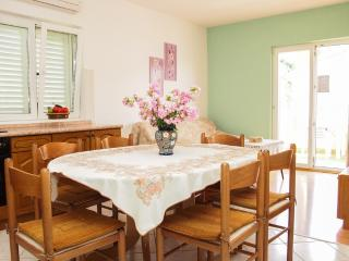 Apartment Lilly(a)for 6 people- Podgora,Croatia - Podgora vacation rentals