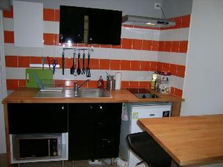 Designed studio amid Carmes quarter - Toulouse vacation rentals