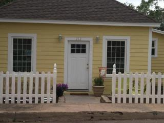 Downtown Cottage - Northern Arizona and Canyon Country vacation rentals