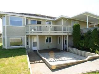 Furnished - Large, Bright 2bedroom plus flex suite - Vancouver Coast vacation rentals