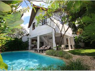 Luxury 3 Bedroom in Tropical Garden Setting in Seminyak, Bali - Seminyak vacation rentals