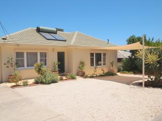 Seaview House Port Noarlunga (migrant and holiday) - Port Noarlunga vacation rentals