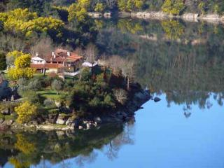Retiro no Rio, waterfront apartment Balsamina - Coimbra vacation rentals