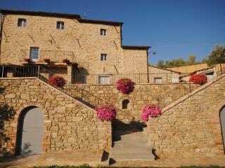 Villa Near Cortona with a Private Pool - Villa Filippo - Lippiano vacation rentals