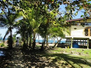 Shorebreak - Ocean Front Custom Vacation Home Rent - Isla Bastimentos vacation rentals