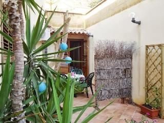 Casa Santulì -near the Valley of Temples. FREE parking.... - Realmonte vacation rentals