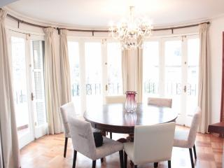 120 mts2   French Style apartment built in 1948  / - La Parva vacation rentals
