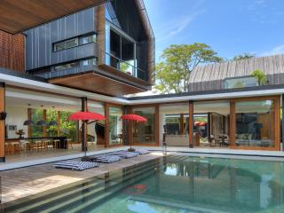 SVARGA  RESIDENCE: Luxurious Central Villa, 50 met - Sanur vacation rentals
